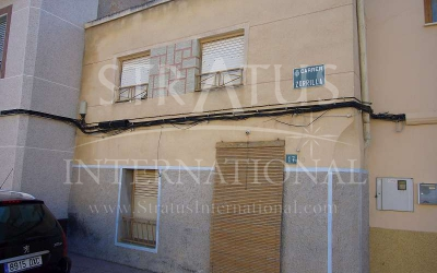 Village House - For Sale - Pinoso - Urban location