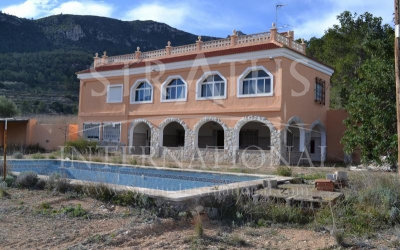 Villa - For Sale - La Romana - Rural location