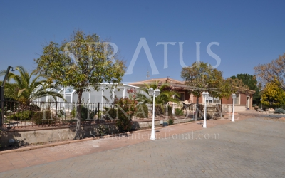 Villa - For Sale - Yecla - Edge of town