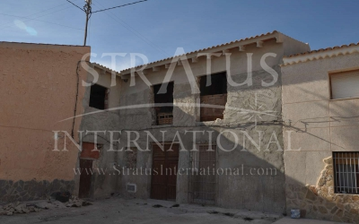 Country House - For Sale - Pinoso - Edge of town