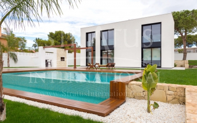 Villa - For Sale - Torrevieja - Urban location