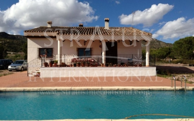 Villa - For Sale - Sax - Edge of town