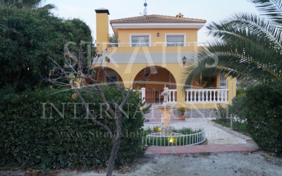 Villa - For Sale - Sax - Rural location