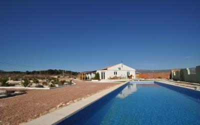 Villa - Under Offer - Pinoso - Rural location