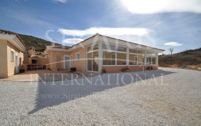 Villa - Withdrawn - Pinoso - Rural location