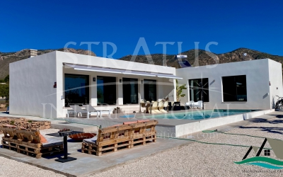 Villa - For Sale - Hondón de las Nieves - Rural location