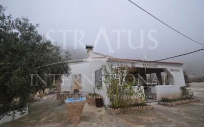 Country House - For Sale - Salinas - Rural location