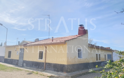 Town House - For Sale - Pinoso - Rural location