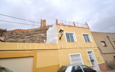 Town House - For Sale - Sax - Urban location
