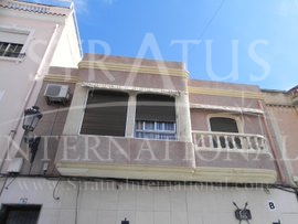 Town House - For Sale - Elda - Urban location
